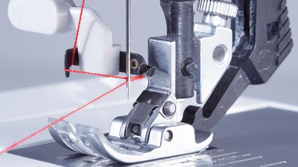 tipp-beim-naehmaschinenkauf-pfaff-integrierter-nadeleinfaedler